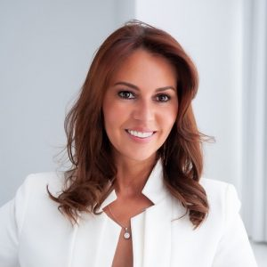Ep #61 – How to feel and look young with age w/ Nici Burns – Founder of Ageless Glow